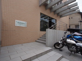 下北沢駅 徒歩9分エントランス