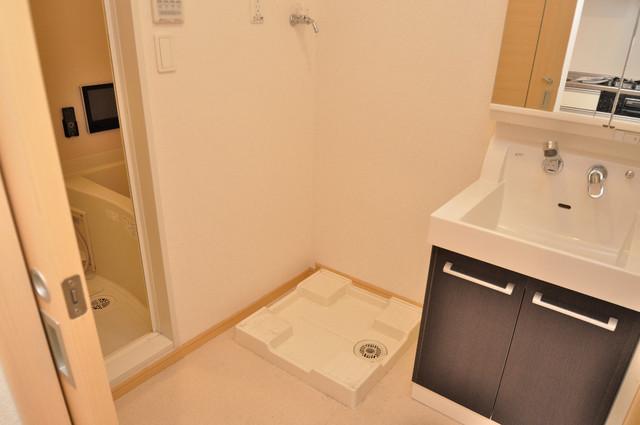 ディオーネ・ジエータ・長堂 洗濯機置場が室内にあると本当に助かりますよね。