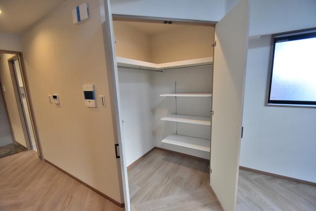 PHOENIX Clove Tomoi 人気のWICです。広々とお部屋が使えますね。