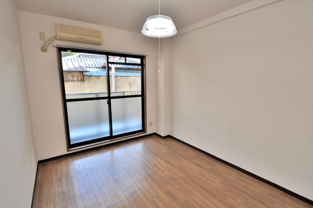 グランメール永和 落ち着いた雰囲気のこのお部屋でゆっくりお休みください。