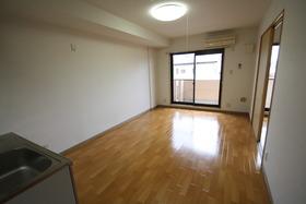 https://image.rentersnet.jp/ecd2a065-937a-4424-8164-b4df025875d1_property_picture_2988_large.jpg_cap_居室