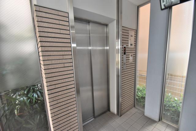メゾンルミエール 嬉しい事にエレベーターがあります。重い荷物を持っていても安心