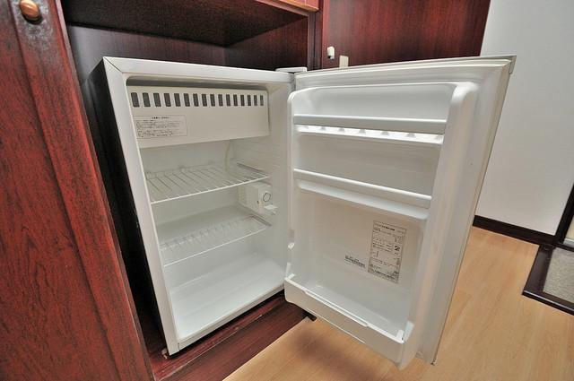 グローリア高井田 嬉しい冷蔵庫付きです。家電代1つ分浮きましたね。