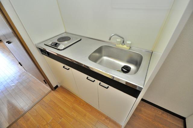 グランメール永和 落ち着いた色合いのキッチン。使い勝手も良いです。