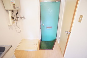 https://image.rentersnet.jp/ed7e05d8-83dc-48a4-96d8-a5d671226dd3_property_picture_956_large.jpg_cap_玄関