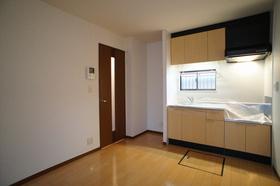 ニナソレイユ 101号室