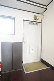 玄関 シューズボックスあります