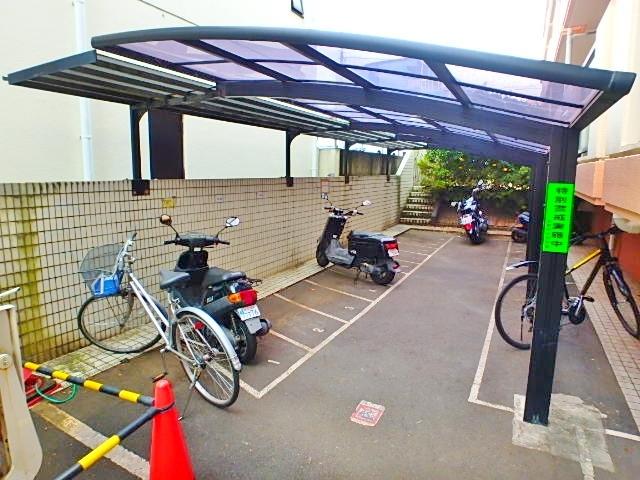 フラット永山駐車場