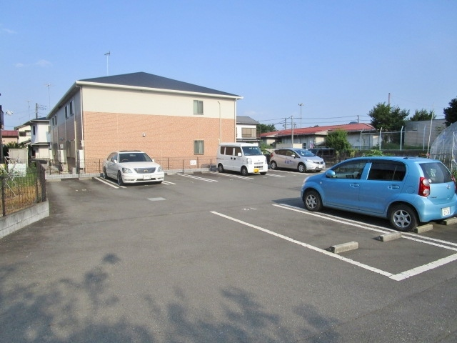 YUI HEIGHTS駐車場