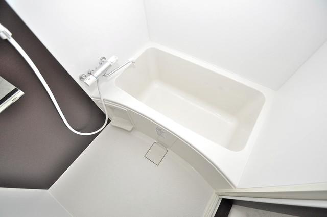 ブライト近大前 足が伸ばせる広い浴槽はナイスですね!