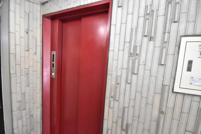 SG第2グローバルハイツ 嬉しい事にエレベーターがあります。重い荷物を持っていても安心