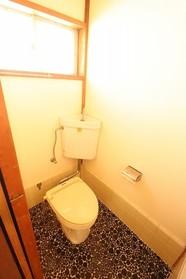 https://image.rentersnet.jp/ee4a91cb-7119-40d2-8e39-66b856e73bc8_property_picture_1992_large.jpg_cap_トイレ