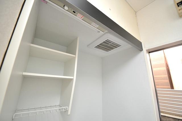 レオパレス布施  キッチン棚も付いていて食器収納も困りませんね。