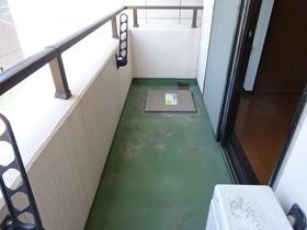 https://image.rentersnet.jp/ee9fca48f312185f404408f8976ec939_property_picture_2418_large.jpg_cap_バルコニー