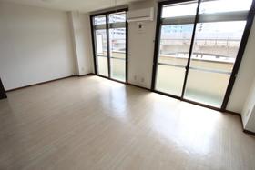 https://image.rentersnet.jp/eec95f9f-eb8c-4359-82d3-bdee94a10ea1_property_picture_958_large.jpg_cap_居室
