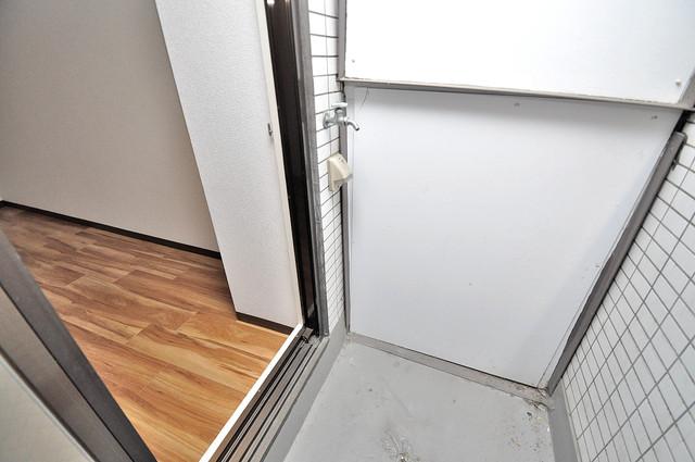 ロイヤル加美北 洗濯して一歩も動かずに洗濯物を干せるのがうれしいですね。