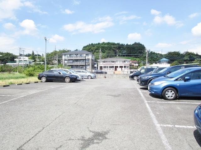 Bellevue壱番館駐車場