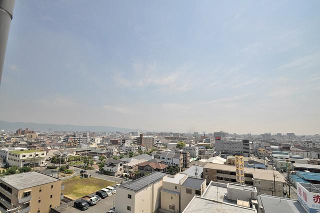 デ・リード高井田駅前 この見晴らしが日当たりのイイお部屋を作ってます。