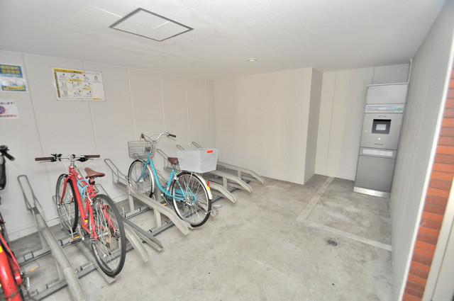 ピア小阪 屋内にある駐輪場は大切な自転車を雨から守ってくれます。