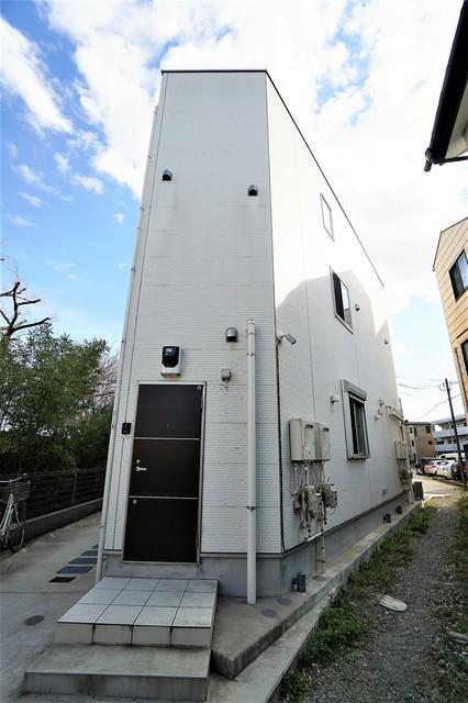 京王稲田堤駅 徒歩10分エントランス