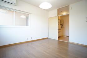 https://image.rentersnet.jp/f02909cc-c8f4-425c-90a3-032ab8e11148_property_picture_956_large.jpg_cap_居室