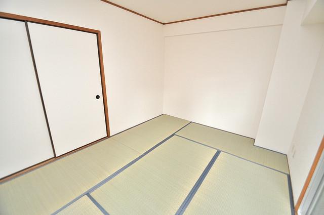 メゾンイサム 畳の心地よい香りがする、この空間で癒されてください。