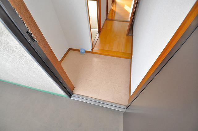 シャトーパシフィック 玄関から部屋が見えないので急な来客でも安心です。