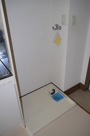 https://image.rentersnet.jp/f06cc985-c539-400e-b347-cc58e7d1472a_property_picture_2419_large.jpg_cap_室内洗濯機置場