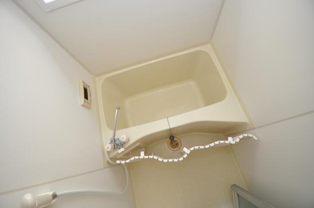 長瀬町1-3-10貸家(高山貸家) ちょうどいいサイズのお風呂です。お掃除も楽にできますよ。