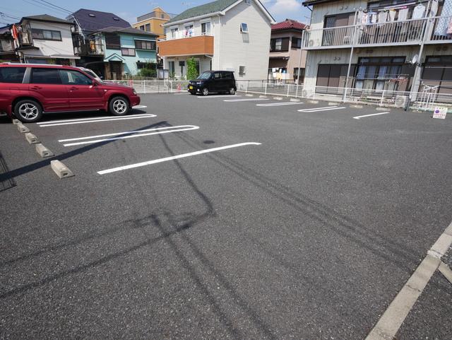ベリーリーフ駐車場
