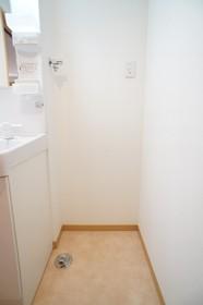 ルーチェ雪谷 102号室