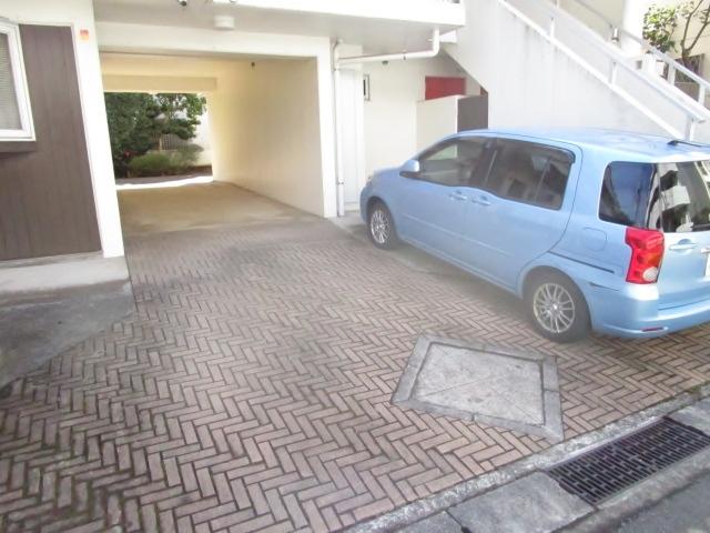 ヴィラカテリーナ駐車場