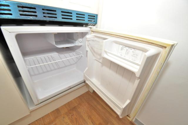 フローラ ラポルテ ミニ冷蔵庫付いてます。単身の方には十分な大きさです。