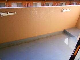 西側和室前のバルコニー