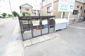 https://image.rentersnet.jp/f1ce04e0-0da3-4ac1-b490-a2770be15f0d_property_picture_9494_large.jpg_cap_ゴミステーション