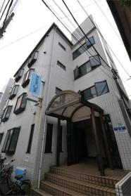 椎名町駅 徒歩4分エントランス