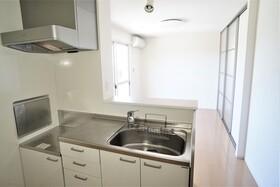 https://image.rentersnet.jp/f22343b0-32c3-46cd-956d-803a80e3b525_property_picture_956_large.jpg_cap_キッチン