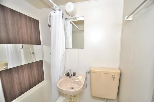 コーポ99 可愛いいサイズの洗面台ですが、機能性はすごいんですよ。