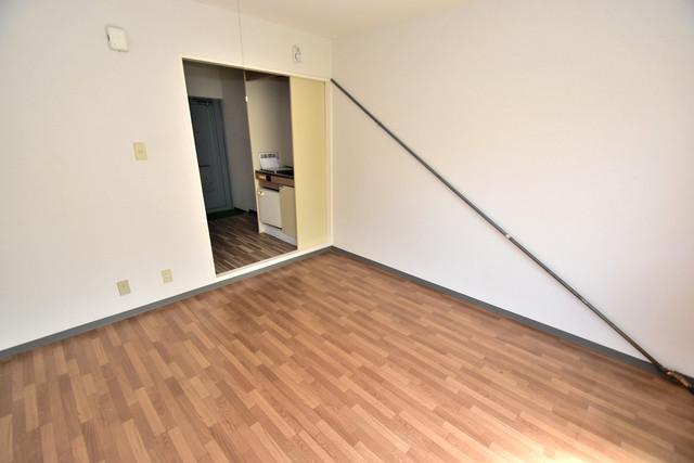 シャトーユキ 明るいお部屋はゆったりとしていて、心地よい空間です