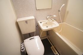 https://image.rentersnet.jp/f26608a7-4841-41cc-acd6-83c29e5fce2b_property_picture_956_large.jpg_cap_トイレ