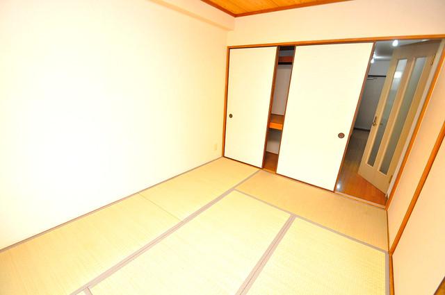 ローズガーデンCOMO 陽当りの良いベッドルームは癒される心地良い空間です。