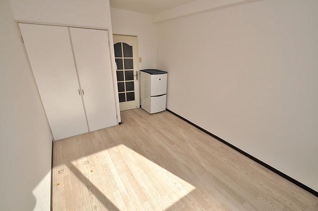 ロイヤル巽 明るいお部屋は風通しも良く、心地よい気分になります。