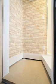 https://image.rentersnet.jp/f297d2c09c57f54bbc460a2efc109ea1_property_picture_962_large.jpg_cap_玄関からはお部屋が見えません。