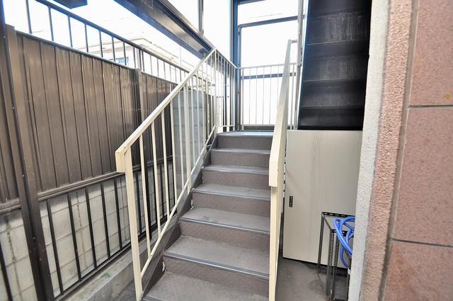 メゾンSK この階段を登った先にあなたの新生活が待っていますよ。