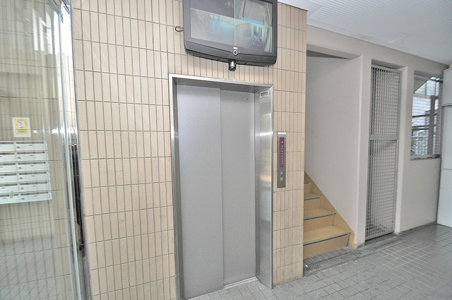 ウィステリア今里 嬉しい事にエレベーターがあります。重い荷物を持っていても安心