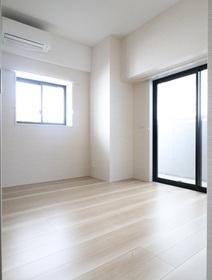 奥平レジデンス 202号室