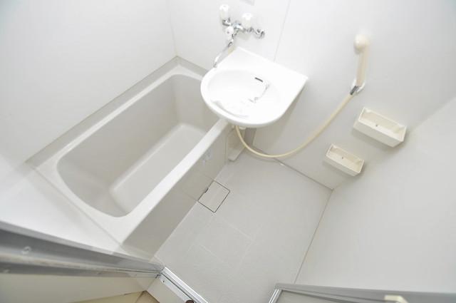 フォレステージュ長瀬 機能的なバスルームはトイレと別々なので、広々としていますよ。