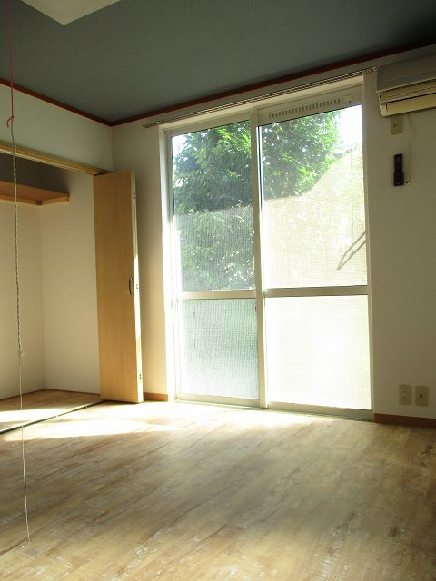 白楽駅 徒歩8分居室