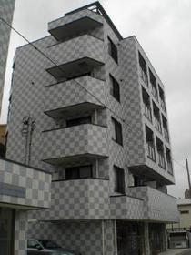スマート津田沼ツインビルB5階建てのオシャレなマンション 素敵な外観ですね