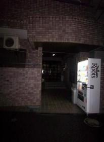 幡ヶ谷駅 徒歩6分エントランス